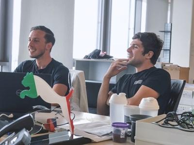 PUMA Mitarbeiter im Büro