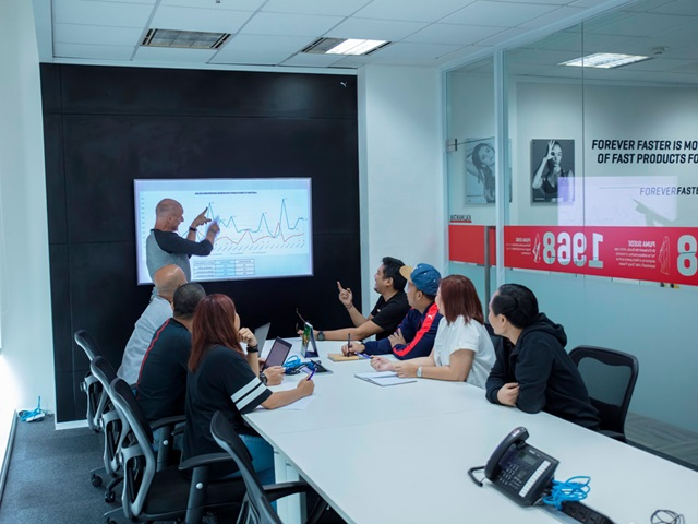 Team Meeting bei PUMA
