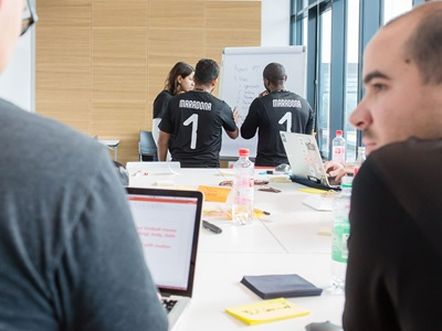 Studenten arbeiten bei PUMAs Innovation Sprint