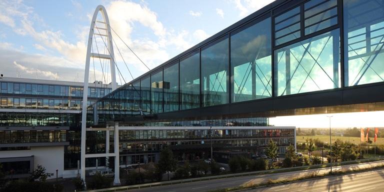 PUMAs Brücke am Unternehmenssitz