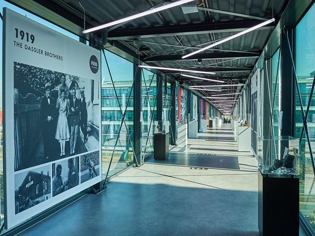 PUMA Brücke Unternehmenszentrale