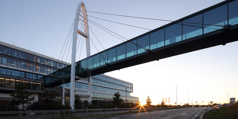 Brücke bei PUMA's Headquarters